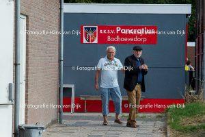 Pancratius zondag 18 september met het 3e tegen DSS 2, JO15-4 tegen Nieuw Sloten JO15-2 en wat toeschouwers van oud tot jong