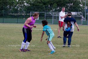 Pancratius jeugd keepers samen met de trainers Co en Petje tegen de ouders