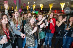 Kampioensfeest Pancratius Dames 1 met muziek van Aïsha & Danny van Ingen Dames en begeleiding gefeliciteerd met jullie Kampioenschap