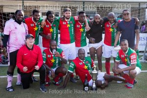 De eerste Delano Derby Legends Cup is gewonnen door Suriname (landen) en KBV (clubteams)
