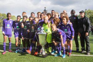 Zondagmiddag finales Ramada CUP U13 7e & 8e plaatst K.R.C. Genk - AZ Alkmaar 5e & 6e plaatst RB Leipzig - Feyenoord Rotterdam 3e & 4e plaatst Afc Ajax - Sparta Rotterdam en de finale RSC Anderlecht - Bayer 04 Leverkusen