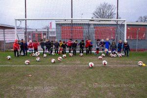 Pancratius zaterdag 23 november de Mini's en Champions Leageu en jeugd wedstijden JO13-1 - Hoofddorp s.v. JO13-2, JO13-4 - SCW JO13-1, JO11-3 - SDW JO11-2, JO9-9 - RODA '23 Rksv JO9-7, JO8-2 - Legmeervogels JO8-2, JO9-1 - Sporting Krommenie JO9-1, JO9-4 - Sporting Martinus JO9-4, JO9-5 - SDZ JO9-4, JO9-6 - Dijk De asv JO9-7, JO12-1 - vv Zwanenburg JO12-1, JO11-7 - Sporting Martinus JO11-6, JO11-8 - vv Zwanenburg JO11-3, MO17-1 - FC Aalsmeer MO17-1, JO10-2 - Sporting Martinus JO10-4, JO10-4 - Nieuw West United SV JO10-3, JO10-6 - Geel Wit '20 sv. JO10-6, JO10-8 - Legmeervogels JO10-4 en JO12-3 - RKAVIC JO12-1