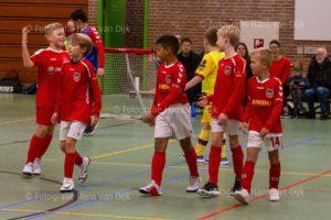 Een geslaagd zaalvoetbal toernooitje in de Sporthoeve met ruim 40 kinderen van Pancratius onder 11 t/m 13 georganiseerd door Barry met de hulp van ouders